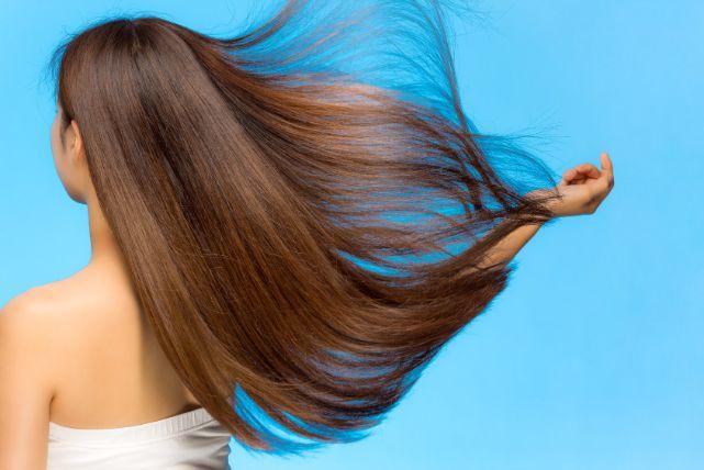 羨ましい!誰もが振り返るほど髪をつやつやサラサラにする裏技!