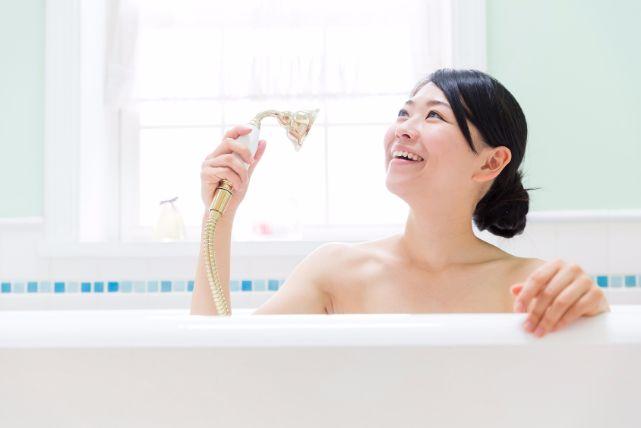 更年期を迎えた女性のお悩み「薄毛」の正しい治し方3選