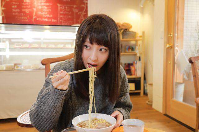 発毛の邪魔をする頭皮や髪に「悪い食べ物」まとめダー!