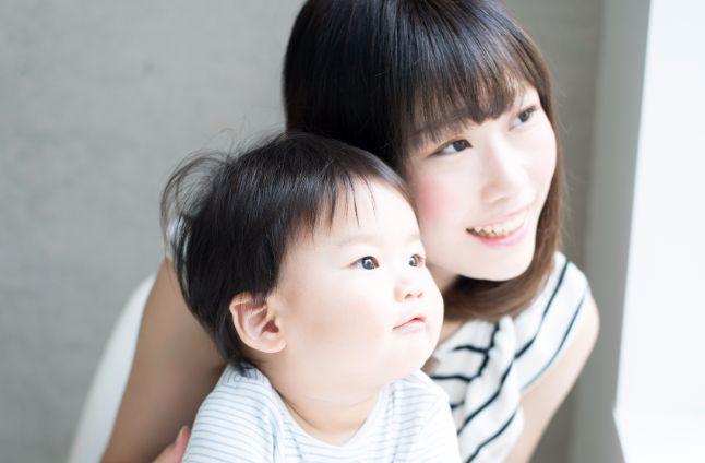 ママさんに見てほしい!産後の薄毛の原因と元通りに戻す方法とは