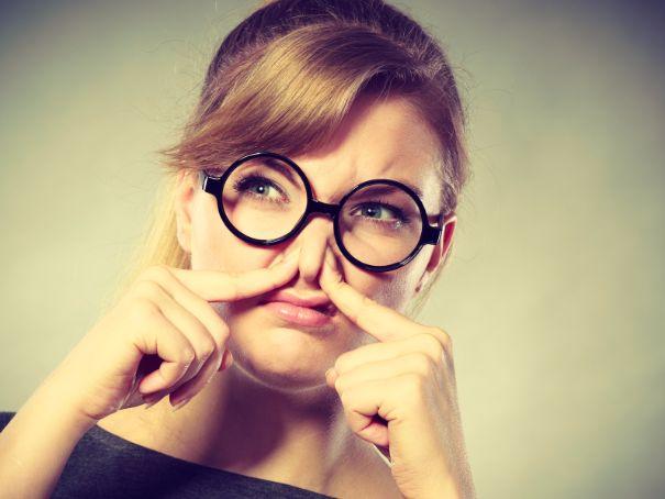 女性の頭皮が臭い原因は「皮脂」。今すぐできる改善法