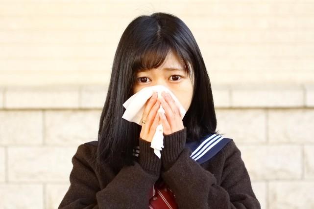 もしかしたら病気の引き金かも。知っておきたい正しい鼻のかみ方とは