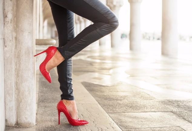ほっそりキレイなモテ脚になる!太ももセルライトの取り方5選