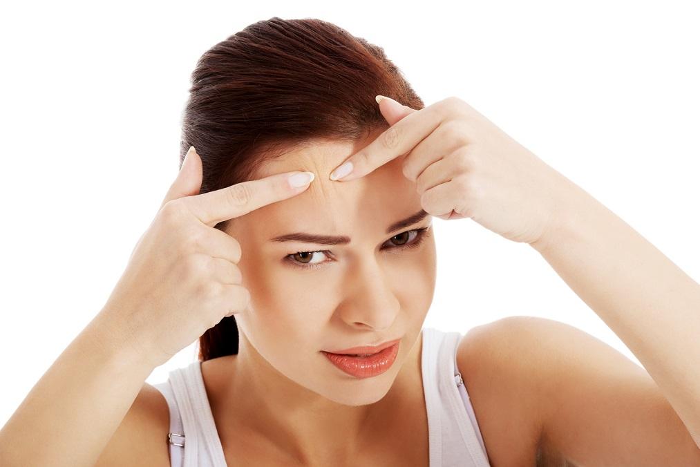 顔がテカって恥ずかしい「脂性肌」を治すスキンケアの3つのコツ