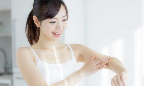 肌の乾燥が気になる時のスキンケアと生活習慣のポイント