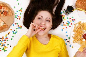 「角栓だらけ」は普段の食事が招いていることも。予防するには?