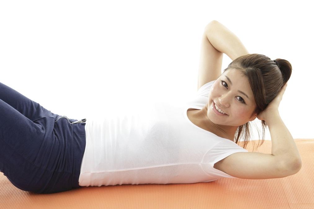 体を動かして、ボヨンとした下腹をすっきり引き締める5つの方法